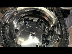 mașină mecanică de umplere și capsulare a sticlei de mână